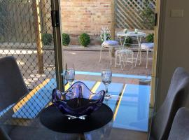 Tic Tac Toe Quality Accommodation, apartment in Armidale