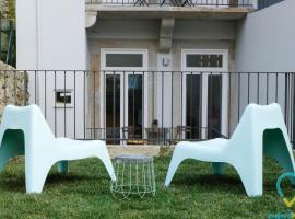Lovely Almada, budget hotel in Porto
