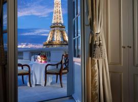 Shangri-La Hotel, Paris, khách sạn gần Tháp Eiffel, Paris