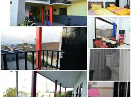 Novi Homestay, pet-friendly hotel in Batu