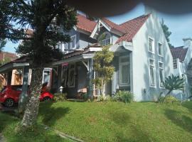 Villa Armonia, hotel in Cianjur