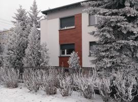 Apartament Legnicka 1, hotel in Września