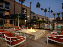 Hampton Inn & Suites Scottsdale On Shea Blvd, hotel near Hall of Flame Firefighting Museum, Scottsdale