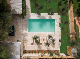 Koukounari luxury villa, hotel with pools in Chania Town