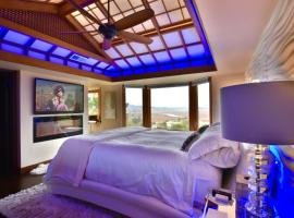 Sunny Oaks Penthouse Suite with Valley Views