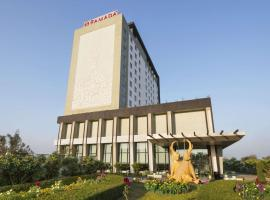 Ramada Plaza Agra, hotel with pools in Agra