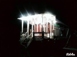 Houseboat Shamus Maqbool