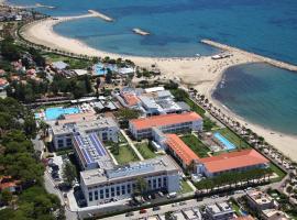 Estival ElDorado Resort, hotel near PortAventura, Cambrils