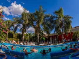 Hotel Emperatriz, hotel in Termas de Río Hondo