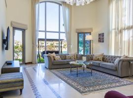 5 Bedroom Villa with Private beach & pool in Palm Jumeirah by Deluxe homes