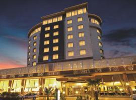 Yücesoy Liva Hotel Spa & Convention Center Mersin, מלון במרסין