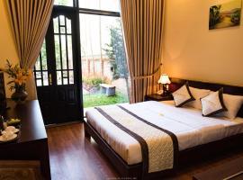 Spring Garden Villa, hotel in Hue
