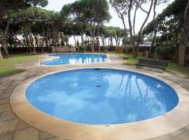 Riva Be my Guest Castelldefels, hotel in Gavà
