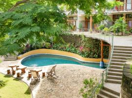 Wicks Getaway - 2bdrm Townhome, hotel near Christ of the Mercy, San Juan del Sur