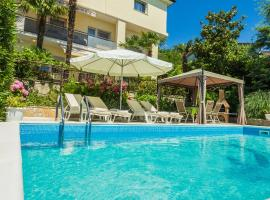 Apartments Grozic Opatija, hotel with pools in Opatija