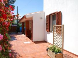 Lucia Holiday House Porto Pino