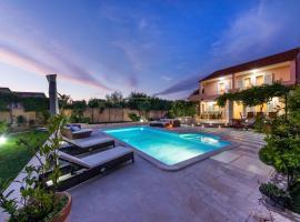 Navis Luxury Villa