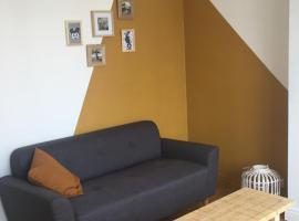 Appartement de Simon & Melissa, hotel near LAAC Contemporary Art Museum, Dunkerque