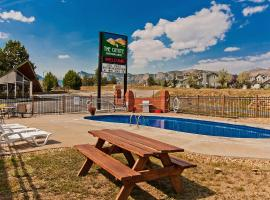 Coyote Mountain Lodge, pet-friendly hotel in Estes Park