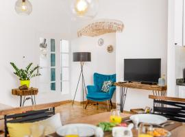 Three square apartment