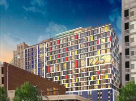 WhyHotel Baltimore Luxe Suites Inner Harbor