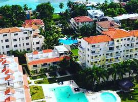 Residencial Las Palmeras de Willy, cheap hotel in Boca Chica