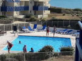residence bleu-marine
