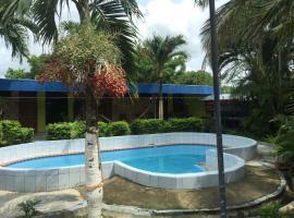 Hostal, Bar - Rest y Villas Sol Liberiano