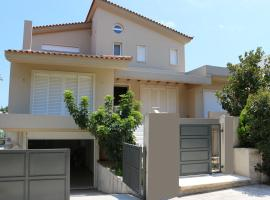75m2 house with BBQ & parking