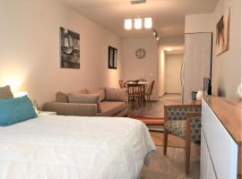 URBANA SUITES & STUDIOS 440, apartment in San Carlos de Bariloche