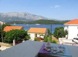 "APARTMANI ""ZUKA"", hotel near Beaches on Badija Island, Korčula"