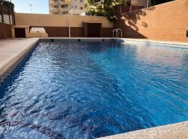 Apart. Burgomar Playa, hotel in Canet de Berenguer