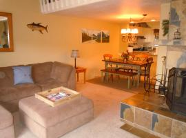 Two-Bedroom Premier Townhouse Unit #69 by Snow Summit Townhouses