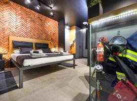 Split Industrial Design Rooms