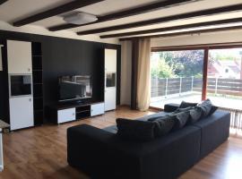 schönes Apartment mit Dachterrasse, Unterkunft zur Selbstverpflegung in Oldenburg