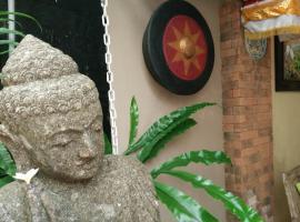 Samblung Mas House, hotel near BIMC Hospital Kuta, Denpasar