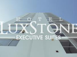 Luxstone Executive & Suites, hotel in La Paz