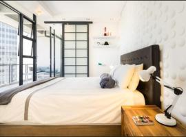 Modern Apartment in heart of City Free Parking, accessible hotel in Cape Town