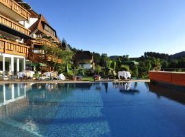 Erfurths Bergfried Ferien & Wellnesshotel, hotel in Hinterzarten