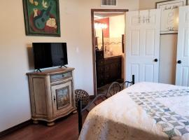 Quiet Private Room & Bath - Mid-Town w/Kitchen!