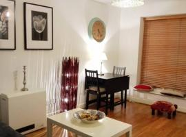 1 Bed Apartment at Mill Quay, Canary Wharf, pet-friendly hotel in London