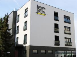 Lemon Plaza Hotel, pet-friendly hotel in Poznań