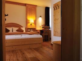 Garni Le Maddalene, hotel a Coredo
