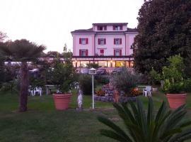 Park Hotel Rovio, hotel in Rovio