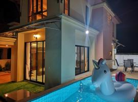 Sea eagle pool villa