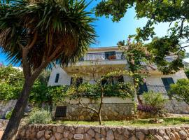 Holiday Home Borna, hotel in Cavtat