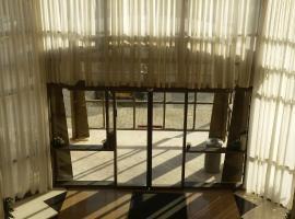 Luxury at sea, hotel in Rishon LeẔiyyon
