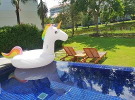Vacation Homes - Perfect 2 Bedroom Pool Villa