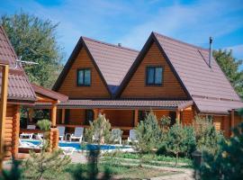 Pokrovskiy Holiday park, парк-отель в Покровском