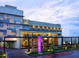 Quest Hotel Simpang Lima - Semarang by ASTON, hotel in Semarang